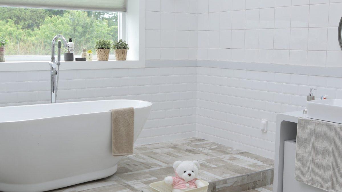 Sådan kan du indrette sommerhusets badeværelse